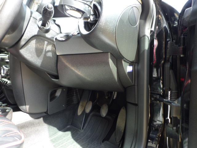 クーパー クラブマン 6速マニュアルシフト 後期モデル ジョンクーパーワークス・17インチホイール ジョンクーパーワークスマフラー フォグランプ 禁煙車(38枚目)