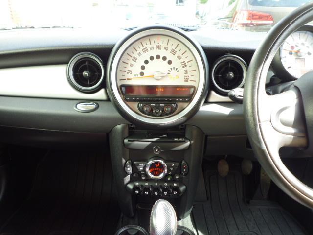 クーパー クラブマン 6速マニュアルシフト 後期モデル ジョンクーパーワークス・17インチホイール ジョンクーパーワークスマフラー フォグランプ 禁煙車(55枚目)