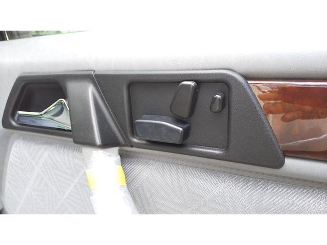 E320ステーションワゴン 右ハンドル 記録簿控え グレーファブリックシート張り替え済 足回りブッシュ交換済 キーレス ウーハー付きシステムサウンド 天井張り替え済 ミシュランタイヤ新品交換済(20枚目)