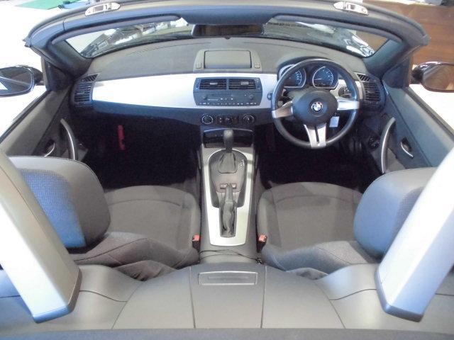 BMW BMW Z4 2.2i 純正ナビ 純正17インチアルミ バッテリ新品