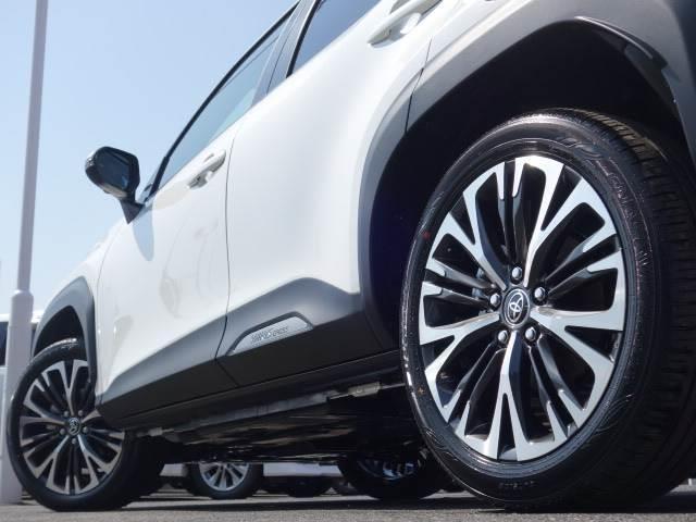 HYBRID Z ステアリングヒーター ブラインドスポット パノラミックビュー ハーフレザー シートヒーター パワーシート レーダークルーズ トヨタセーフティS オートハイビーム(19枚目)
