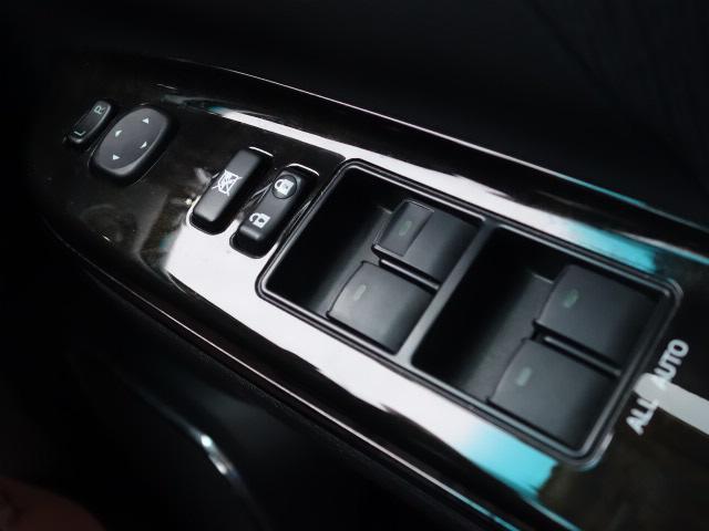 2.4ZプラチナセレクションIIタイプゴルドII 両側電動スライドドア 8型アルパインナビ 10型フリップダウンモニター 電動リアゲート HIDヘッド 7人 オットマン Wエアコン(28枚目)