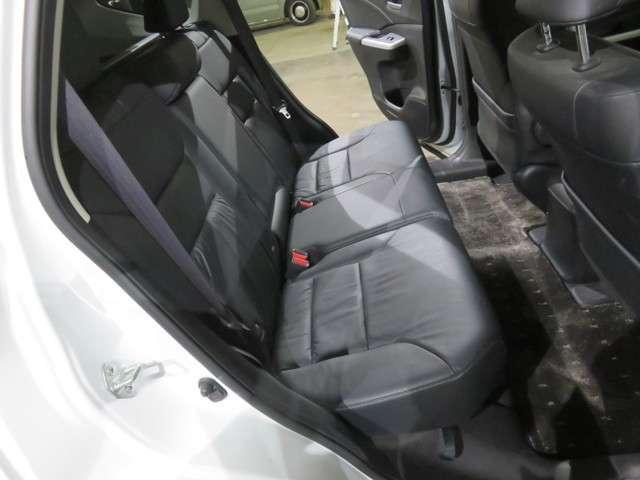 24G 4WD 黒革シート HDDインターナビ SR(14枚目)