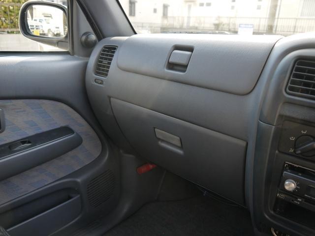 トヨタ ハイラックススポーツピック ダブルキャブ サンルーフ 革調シートカバー メッキドアミラー