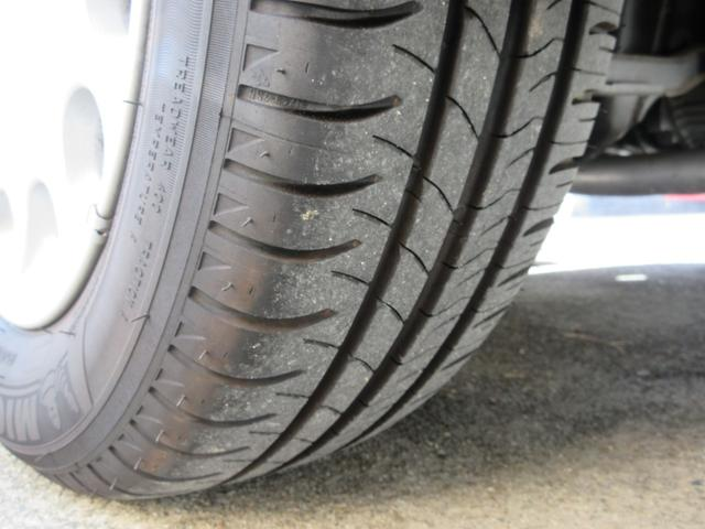 タイヤ溝しっかりあります。