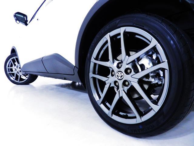 S GRスポーツ ダークスモーク19アルミ/2トーンボディ/8インチディスプレイオーディオ/Bluetooth/パノラミックビューモニター/バックモニター/セーフティセンス/専用インテリア/シートヒーター(15枚目)