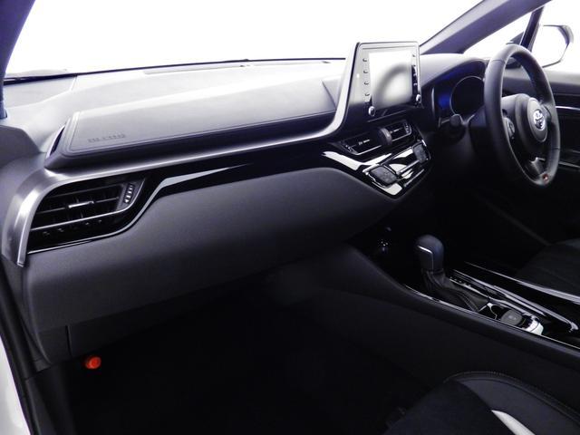 S GRスポーツ ダークスモーク19アルミ/2トーンボディ/8インチディスプレイオーディオ/Bluetooth/パノラミックビューモニター/バックモニター/セーフティセンス/専用インテリア/シートヒーター(22枚目)