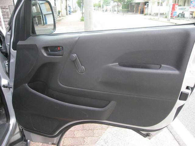 トヨタ レジアスエースバン ロングDX6人乗り キーレス 小窓 バイザー ラジオ ABS