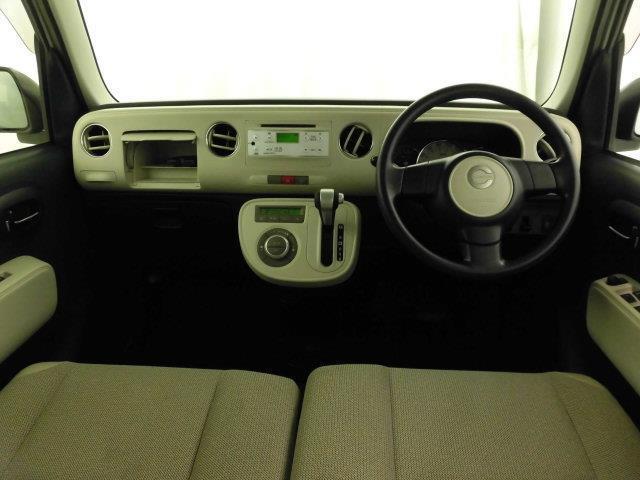 スマイルクリーン施工済み、しっかり専門スタッフが車内清掃を実施しております。