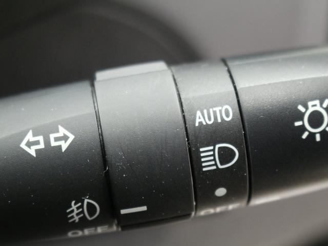 G 禁煙車/メモリーナビ/クルーズコントロール/ドライブレコーダー/パワーシート/ハーフレザーシート/革ハンドル/ステアリモコン/HIDヘッドライト/アームレストコンソール/スマートキー/ETC(14枚目)