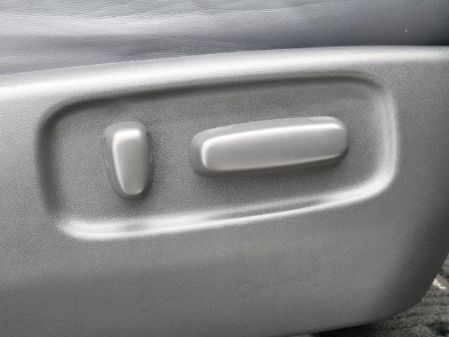 【パワーシート】シートの角度調整を電気モーターで行うことで、手動よりも微調整が可能です!最適なドライビングポジションに♪