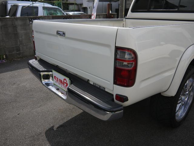 エクストラキャブワイド 4WD サンルーフ 22インチアルミ(10枚目)