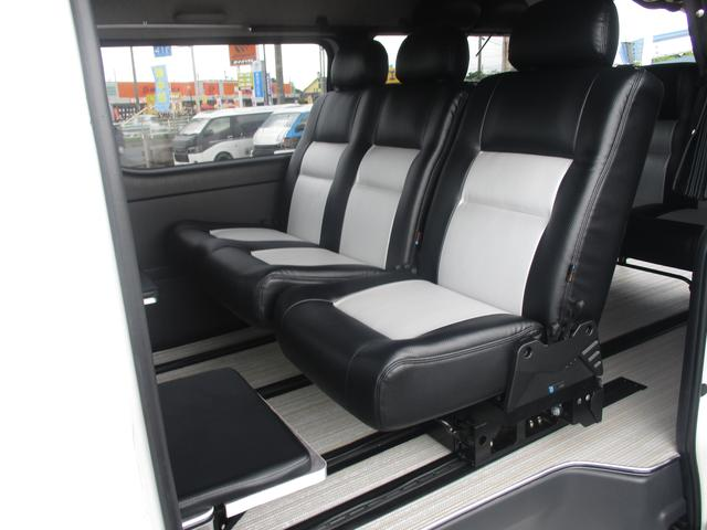 トヨタ ハイエースバン SーGLラングラーフルオプション装着・ルーフテント
