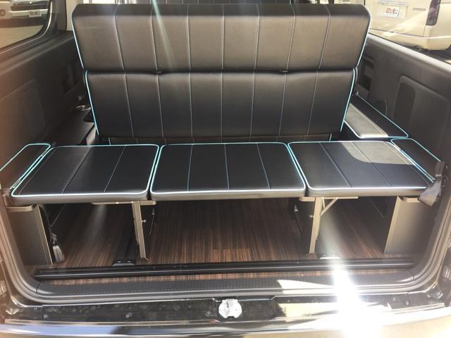 トヨタ ハイエースワゴン GL4WD・登録済未使用車・対面対座フルフラットレボシート