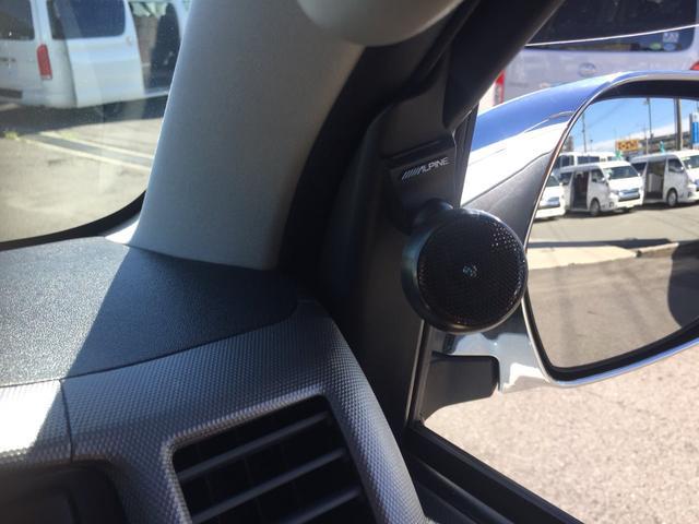 トヨタ ハイエースワゴン グランドキャビン・ワンオーナー・ローダウン横向きベット