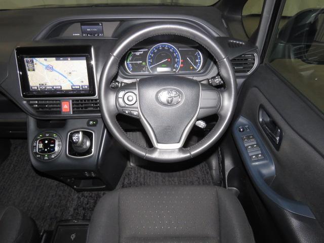 トヨタ ヴォクシー 5D 1800 ハイブリッドV メモリーナビ フルセグTV