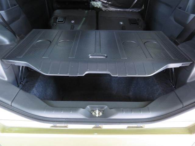 アンダートランク上に、デッキボード設置し荷物が上下に収納でき、テーブルとして使用できます。