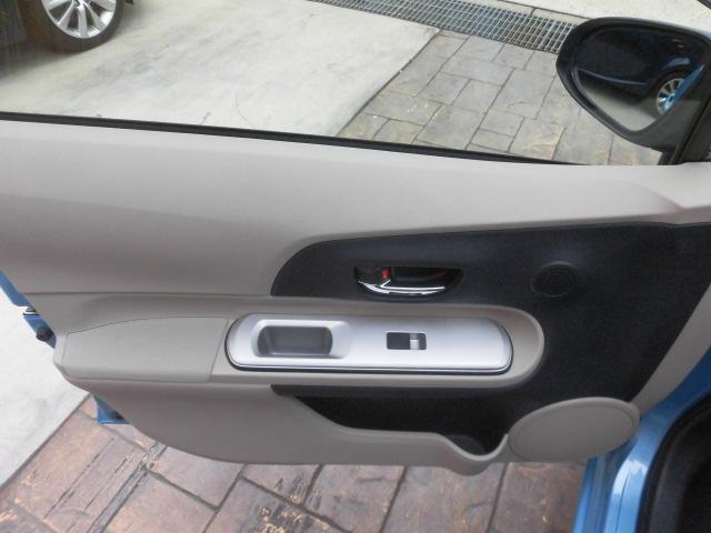 G 純正HDDナビ Bluetooth フルセグ ETC DVD再生 スマートキー スペアキー AUTOライト ステアリングスイッチ プッシュスタート バックカメラ LEDヘッドライト 純正フロアマット(29枚目)