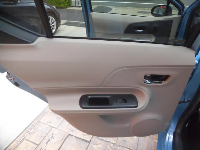 G 純正HDDナビ Bluetooth フルセグ ETC DVD再生 スマートキー スペアキー AUTOライト ステアリングスイッチ プッシュスタート バックカメラ LEDヘッドライト 純正フロアマット(30枚目)
