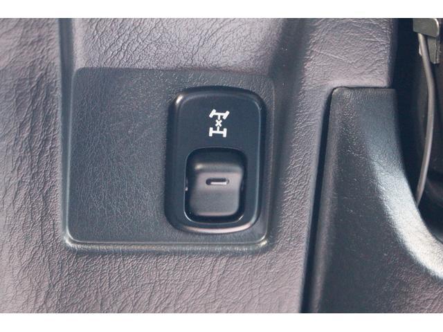 切り替え式の4WDです。