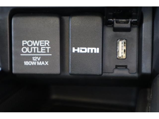 HDMIやUSBでスマホと接続すれば、ナビの画面等を映し出すことができます。もちろん、ブルートゥースも利用可能です。