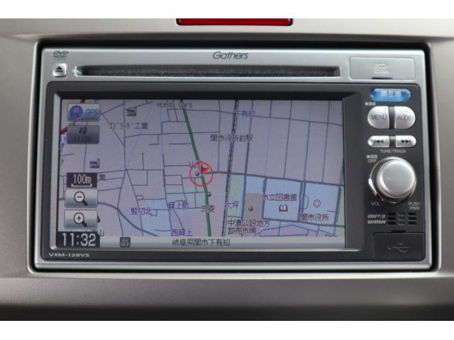 純正オプションナビ(VXM-128VS)が装備されております。ワンセグTV、DVDビデオが利用可能です。