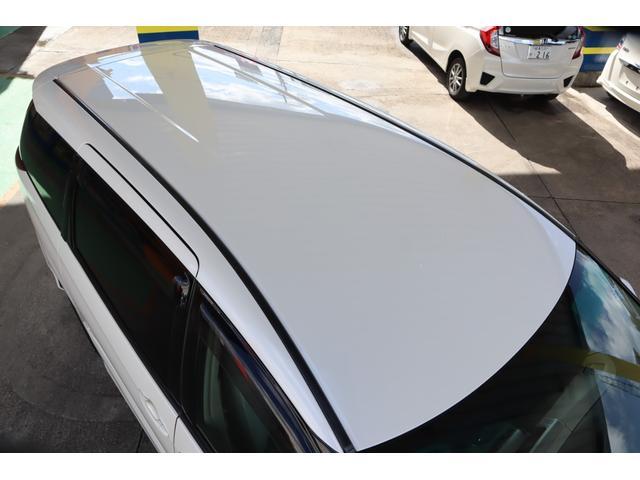 前オーナー様は屋根付きの駐車場にて保管しておられました。ルーフにキズやヘコミも無く、塗装の状態も良好です。