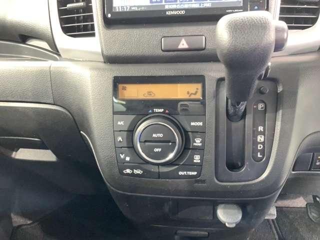G Aパック3年保証 ワンオ-ナ- 禁煙車 ケンウッドナビMDV-L504W フルセグ DVD SD BTaudioハンズフリ- スマ-トキ- ETC シ-トヒ-タ-付運転席 ドアバイザ-(18枚目)