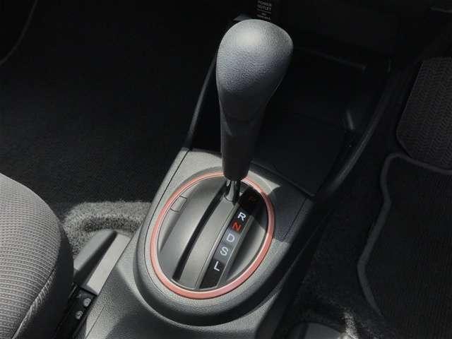 ホンダ フィット シーズ スマートキー ETC CDデッキ