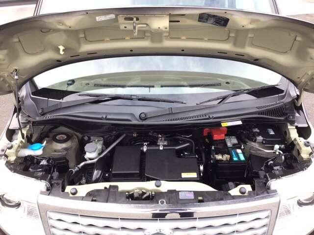 エンジンルームも綺麗ですよ^^ご納車前には必ず点検させて頂いておりますので、ご安心くださいませ!