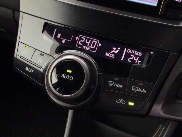 オートエアコン付ですので温度を決定していただければ自動で風量を調整してくれます^^