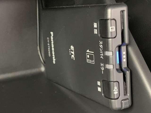 ホーム ホンダコネクト9インチナビ フルセグTV DVD再生可 Bカメラ ETC ドラレコ スマートキー LEDヘッドライト レンタUP車(10枚目)