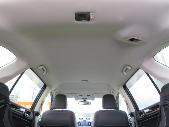 リミテッド 1オーナー 黒革シート ハーマンカードンSDナビTV バックカメラ パワーバックドア アイサイト オーバーフェンダー ハイビームアシスト スバルリヤビーグルディテクション パワーシート シートヒーター(11枚目)
