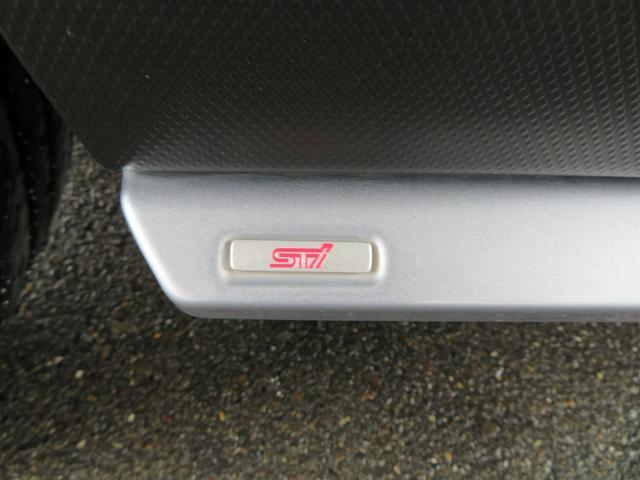 アドバンス 1オーナー サンルーフ 黒革シート ダイアトーン8インチナビTV サイド&バックカメラ STIエアロ ドライバーモニタリングシステム パワーバックドア ルーフレール LEDアクセサリーライナー(69枚目)