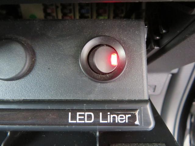 2.0i-Sアイサイト SDナビ フルセグTV スマートキー スバルリヤビーグルディテクション LEDヘッドライト LEDライナー パワーシート(32枚目)