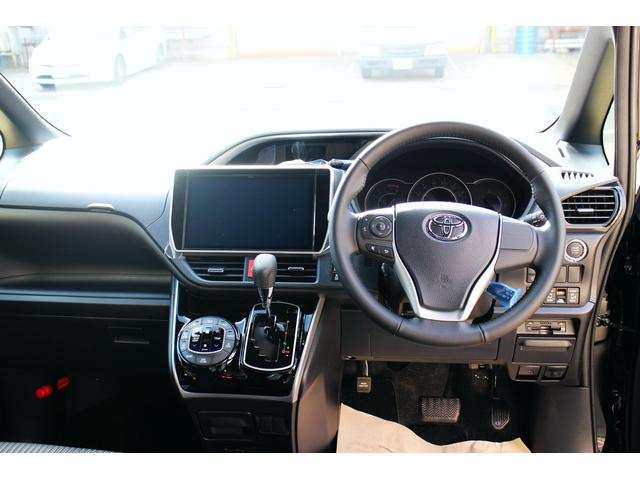 トヨタ ヴォクシー ZS煌 純正10型ナビ 12型後席モニター 未使用車