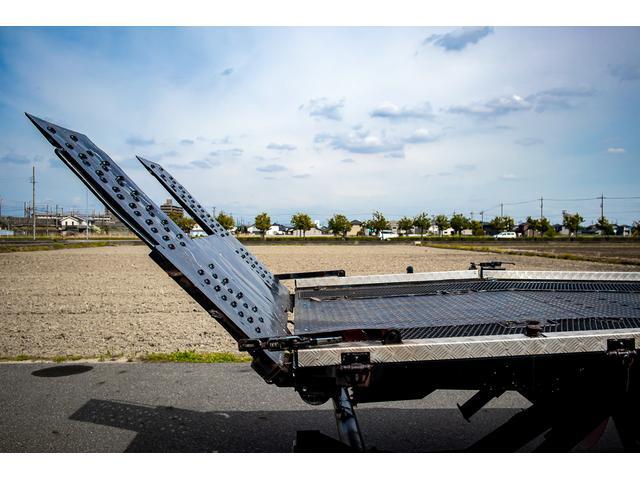クレーン付き 積載車 極東フラトップ 開閉アオリ ラジコン 4段クレーン 差し違いアウトリガー ミラー型バックカメラ 6MT レッカー キャリアカー(8枚目)