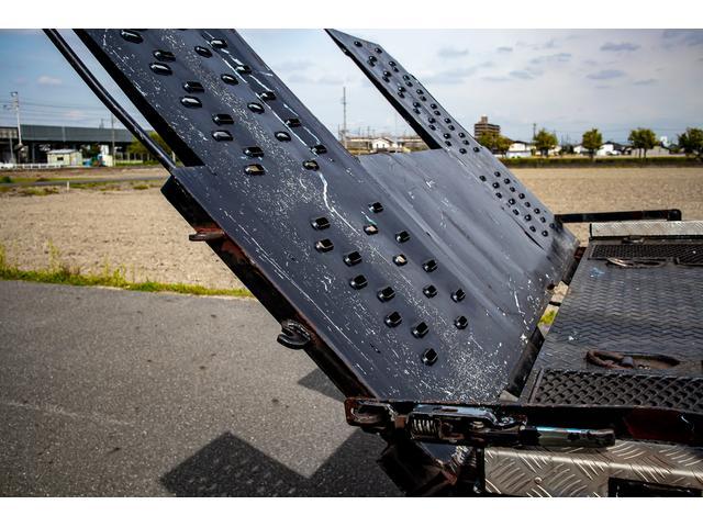 クレーン付き 積載車 極東フラトップ 開閉アオリ ラジコン 4段クレーン 差し違いアウトリガー ミラー型バックカメラ 6MT レッカー キャリアカー(9枚目)