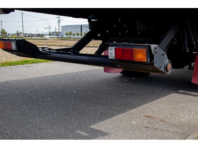 クレーン付き 積載車 極東フラトップ 開閉アオリ ラジコン 4段クレーン 差し違いアウトリガー ミラー型バックカメラ 6MT レッカー キャリアカー(46枚目)