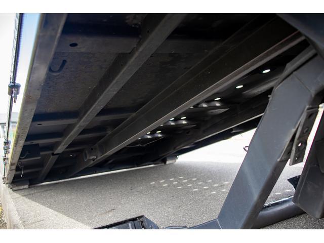クレーン付き 積載車 極東フラトップ 開閉アオリ ラジコン 4段クレーン 差し違いアウトリガー ミラー型バックカメラ 6MT レッカー キャリアカー(68枚目)