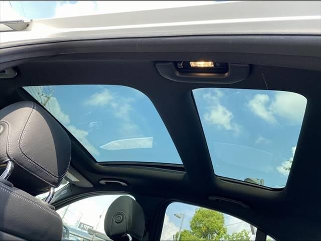 C200スポーツエディション(本革仕様) 左ハンドル限定車 サンルーフ 本革シート シートヒーター・メモリー レーダーセーフティPKG レーダークルーズ 純正HDDナビ フルセグ バックカメラ Bluetooth パワーバックドア LED(2枚目)