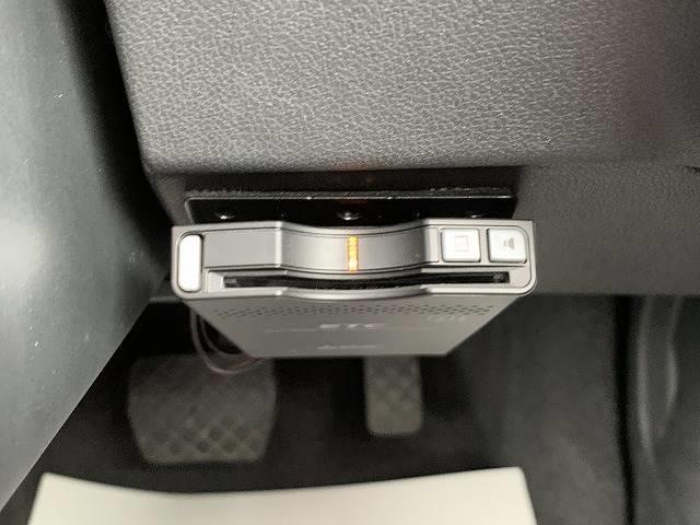 1.4TFSI Sラインパッケージ 専用ハーフレザーシート マルチメディアインターフェース  Bluetoothオーディオ HIDヘッドライト(8枚目)