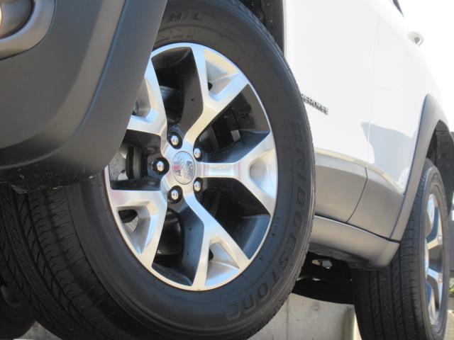 トレイルホーク 純正ナビ フルセグ ハーフ革 ETC 4WD(20枚目)