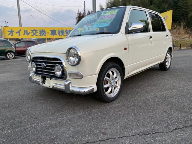 4WD 5速マニュアル車 アルミホイール ナビ DVD再生(7枚目)