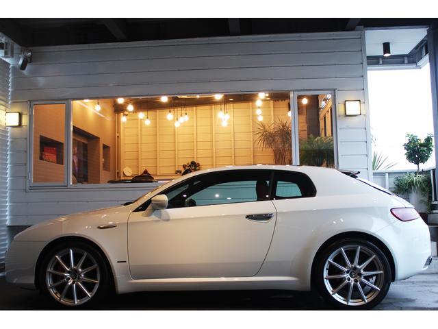 アルファロメオ アルファブレラ 3.2JTS Q4 QTホワイトED 20台特別限定車