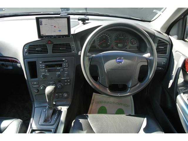 ボルボ ボルボ V70 V70 2.4黒革 パナソニックHDDナビ  下取車
