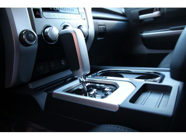 米国トヨタ タンドラ クルーマックスSR5 4WD 18yモデル新メータ 自社輸入