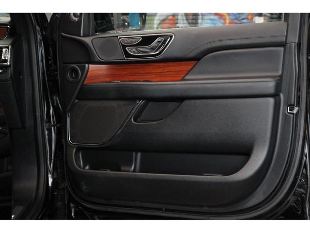「リンカーン」「リンカーン ナビゲーター」「SUV・クロカン」「岐阜県」の中古車45