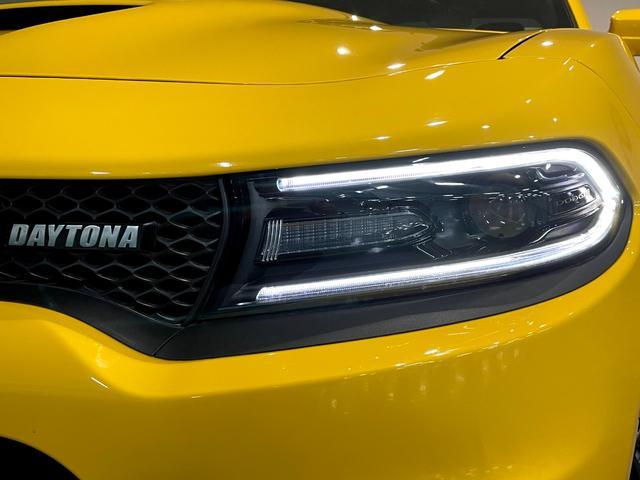 デイトナ392 V型8気筒6400cc 国内未登録車 アップルカープレイ サンルーフ ブレンボ ハーフレザーシート(15枚目)