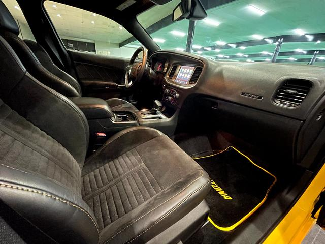 デイトナ392 V型8気筒6400cc 国内未登録車 アップルカープレイ サンルーフ ブレンボ ハーフレザーシート(22枚目)